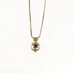 Jewelry - Vintage Silver Flower Set in Gold Circle Necklace